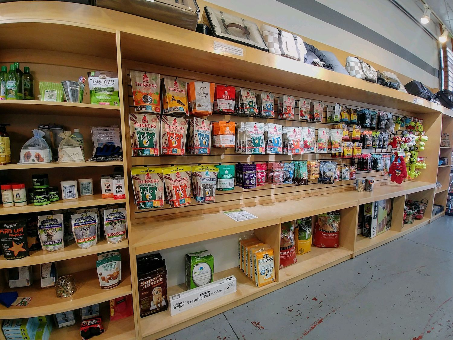 Bowhaus Pet Products in Pasadena
